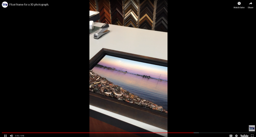 Float frame for a 3D photograph.